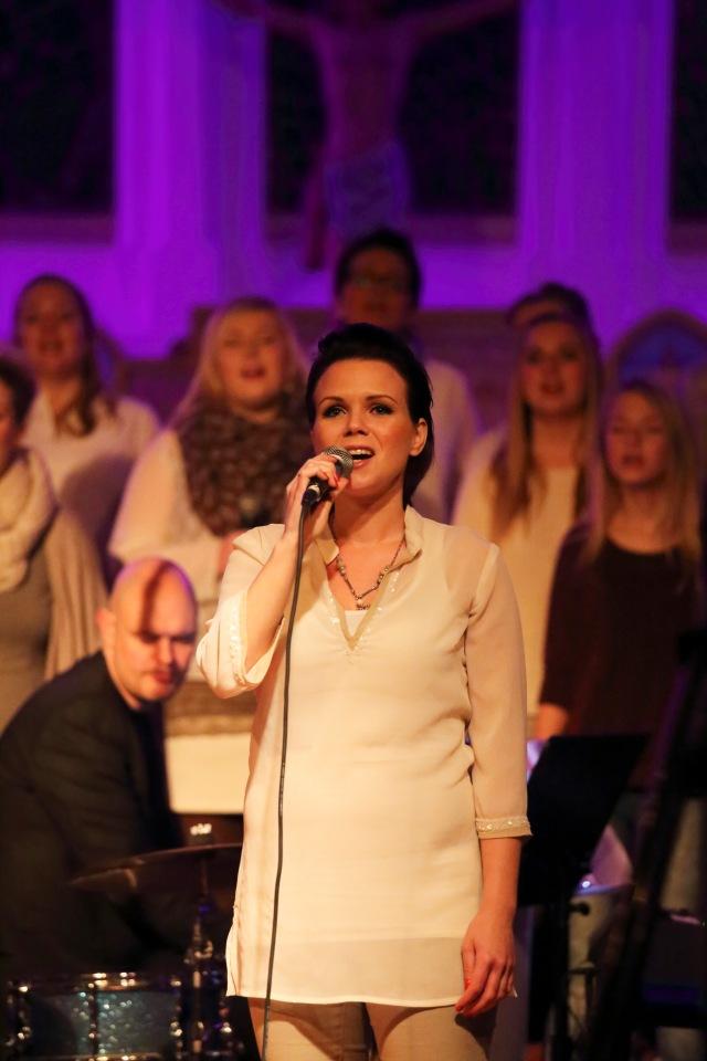 """Marie Ekeberg synger """" Et lys imot mørketida"""""""