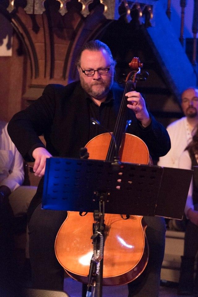 Ådne Røkkum, Stig Ove Sletten og Jan Ove Berdahl var backingband